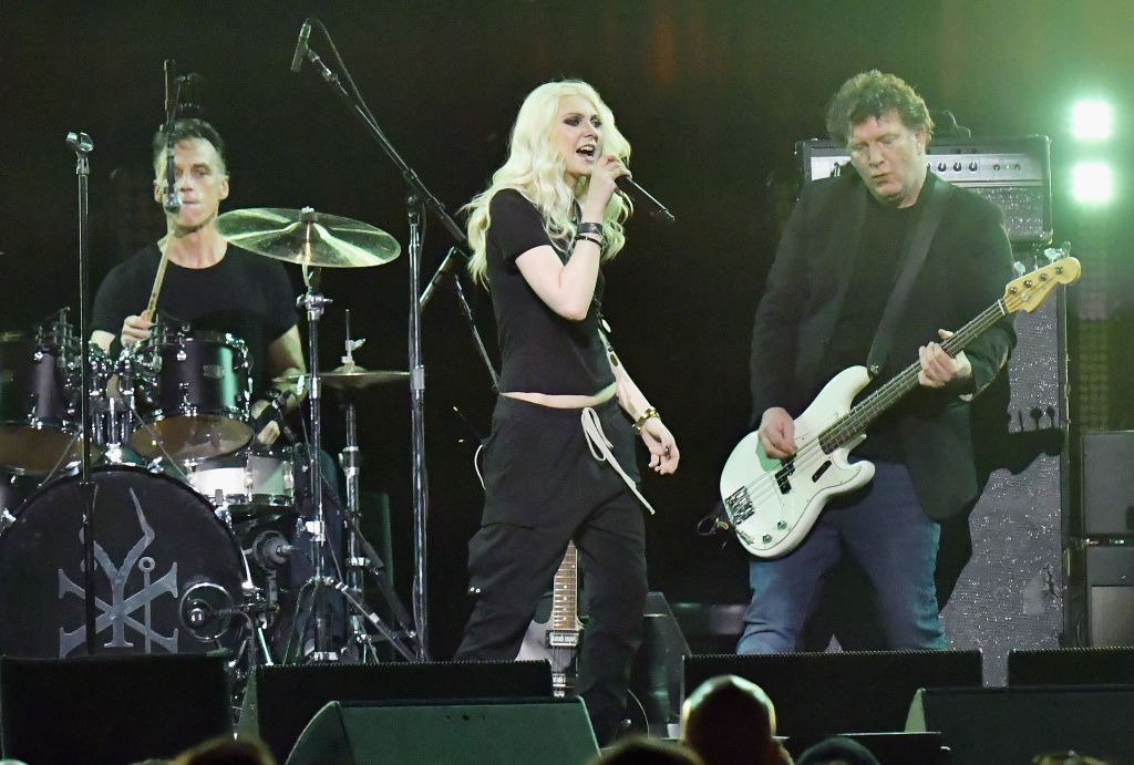 Ben Shepherd of Soundgarden, Taylor Momsen perform onstage during I Am the Highway: A Tribute to Chris Cornell on January 16, 2019 in Inglewood, California.  (Photo by Jeff Kravitz/FilmMagic via Getty Images)